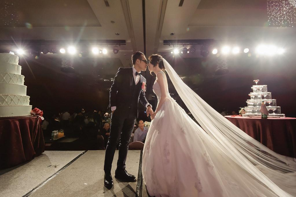 守恆婚攝, 高雄巨蛋, 高雄巨蛋婚宴, 高雄巨蛋婚攝, 高雄漢來婚宴, 高雄漢來婚攝, 婚禮攝影, 婚攝, 婚攝小寶團隊, 婚攝推薦-29