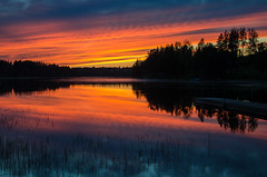 sunset (ΞSSΞ®®Ξ) Tags: ξssξ®®ξ pentax k5 2017 hälsingland sweden sverige countryside outdoor evening landscape colors red sky sunset smcpentaxda1855mmf3556alwr light lake magic water reflection silhouettes