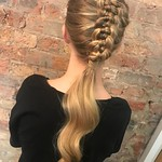 • Z i p p e r B r a i d • By Ben thanks to @n.starck for sharing how to do this look!!! #lpeduk #lorealprouk #bbeducation #AKITOLOVES #braids #zipperbraid @behindthechair_com @beyondtheponytail @hairbrained_official @hairdressersjournal @prohairbeauty @lo thumbnail
