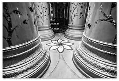 Sheikh Zayed Mosque - inside (Swissrock-II) Tags: sheikhzayedmosque abudhabi uae vae mosque nikon lightroom blackwhite bw religion مسجدالشيخزايد d700