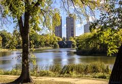 Harlem Meer. Central Park. (gatetegris) Tags: buildings newyork harlemmeer centralpark park nuevayork usa eeuu manhattan lake charlesadanadiscoverycenter trees urbannature travel