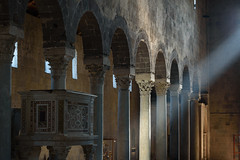 Casertavecchia - San Michele Arcangelo (bautisterias) Tags: italy italia campania ancient roman southernitaly ruins campaniafelix