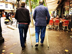 24-07-17 En duo (marisan67) Tags: iphone5se 365 rue iphonegraphy street iphonographie pola streetphoto cliché photographie iphone instantané iphonographer 2017 reflets polaphone 365project lumière detail paris photo détail iphoneographie iphonography