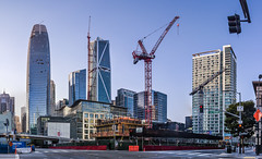 folsom at 1st street panorama (pbo31) Tags: sanfrancisco california nikon d810 color july 2017 summer boury pbo31 construction financialdistrictsouth city urban salesforce tower 181fremont skyline panorama large stitched panoramic blue over crane folsomstreet trafficlight