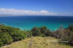 Byron Bay, Cape Byron view to the sea (blauepics) Tags: australia australien landscape landschaft new south wales nsw byron bay cape kap hills hügel beach strand sand water wasser clouds wolken turquoise türkis blue blau
