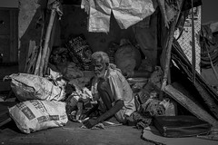Pack up (shravann93) Tags: nikond700 nikonuser nikon50mm 50mm 50mmf18 blackandwhite blackandwhitephotography chennaiweekendclickers cwc marinabeach streetphotography streetsofindia
