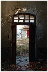 Les portes (Pascal.M (bong.13)) Tags: urbex cave camargue couleurs abandonné ancien lumière nikon d3200 france provence porte