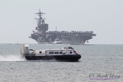 Solent Flyer (Mark Gray Photos) Tags: hover travel isle wight river solent uss george h w bush united states navy portsmouth c anchorage july 2017 flyer nimitz class aircraft carrier