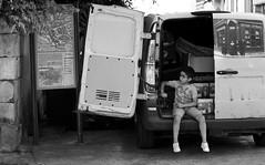 Espièglerie (N.Hell) Tags: street photography photo de rue bw black white noir et blanc monochrome kid boy la rochelle france canon 50mm portrait city town ville