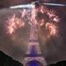 Feu d'artifice du 14 juillet 2017 depuis le champ de Mars à Paris, devant la Tour Eiffel, Bastille day 2017