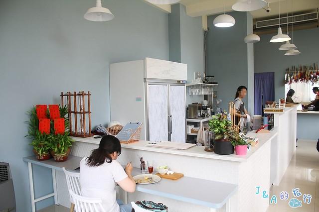 Next Kitchen 稻燻櫻桃鴨胸嫩香多汁~豬油拌飯鹹香夠味!清新風早午餐推薦!【台中南區/台中早午餐】 @J&A的旅行