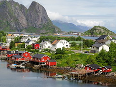 Reine Islas Lofoten (Asun Idoate) Tags: landscape noruega reine puerto montaña mar lofoten