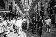 Milano - Giugno 2017 (Maurizio Tattoni....) Tags: italy lombardia milano street persone galleriavittorioemanuele bn bw blackandwhite biancoenero monocrome leica 16mm mauriziotattoni