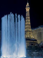 Vegas (acase1968) Tags: las vegas mirage paris fountain nevada night nikon hotel resort casino d500 nikkor 24120mm f4g bellagio