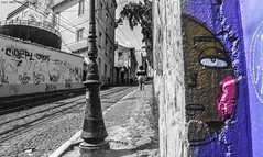 Só de olhar para ti fico com calor [Just looking at you I get hot] (Paullus23) Tags: graffiti grafite grafittis utopia utopiaart street calcadadagloria rua people desenho lisbon lisboa