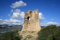 Torre costiera di Cala Giunco - Villasimius (Franco Serreli) Tags: sardegna sardinia torri torricostieresarde torricostiere torre mare maresardo costesarde costa coste villasimius giunco calagiunco fortificazioni mediterraneansea