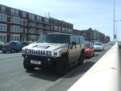Hummer. (Bennydorm) Tags: parking road offroader automobile auto inglaterra inghilterra angleterre mai maggio mayo may fujifinepix urban europe uk gb britain england lancashire morecambe 4wd suv american big vehicle motor hummer