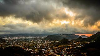 Isla de Tenerife bajo infierno