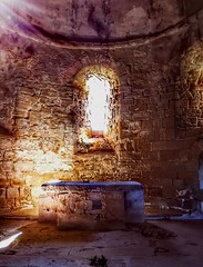 Romanic altar...💒 (carlesbaeza) Tags: romano romànic romanic altar church iglesia església història history catalunya catalonia arte antiguo love