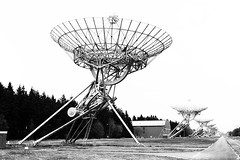 Drenthe (The Netherlands) - Zwiggelte - Radiosterrenwacht Westerbork - 6 (Bjorn Roose) Tags: bjornroose björnroose drenthe nederland niederlände thenetherlands paysbas radiotelescoop radiotelescope radar antenne antenna westerbork vla sterrenwacht observatory