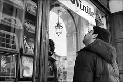 Torino 0471 (malko59) Tags: torino turin italia italy street urban biancoenero blackandwhite vinile dischi records