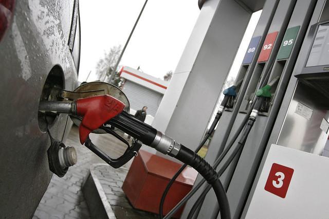 В Российской Федерации занеделю цены набензин увеличились на2 копейки