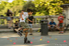 Villa Borghese (pierluigi.carrano) Tags: panning iamnikon nikon d3100 velocità skate pattini parco slalom