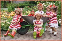 Feierabend im Rosengarten ... (Kindergartenkinder) Tags: seppenrade sanrike tivi rosengarten blumen personen kindergartenkinder garten blume park frühling annette himstedt dolls milina annemoni jinka