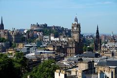 Views of Edinburgh (arthurbouclet) Tags: edinburgh uk scotland fujifilm castle hill england war military clock trainstation guerre édimbourg angleterre horloge gare sky ciel
