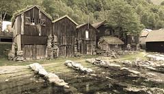 Old Geiranger (bestauf) Tags: geiranger oldcabins norwegen norge norway fjord