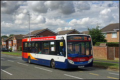 37063, Christchurch Drive (Jason 87030) Tags: enviro e200 stagecoach christchurchdrive 2stefen transport sky clouds weather wheels northants northamptonshire red blue white orange operator stefenhill estate daventry d2 route service