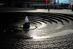 Poser (Ggreybeard) Tags: fountain water darlingharbour sydney nsw
