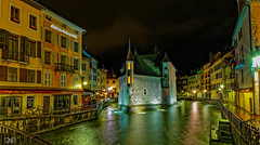 Palais de Isle, Lake Annecy, Old Town illuminated by night lights (cantdoworse) Tags: lakeannecy night lights france alps castle palace palais canal oldtown hoteldupalaisdelisle hautesavoie café des ducs