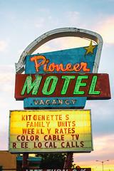 Pioneer Motel (Thomas Hawk) Tags: albuquerque america newmexico pioneermotel route66 usa unitedstates unitedstatesofamerica motel neon us fav10 fav25 fav50