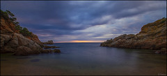 Calma al amanecer. (antoniocamero21) Tags: playa mar agua rocas cielo amanecer calma paisaje marina color foto sony cala morisca tossa nubes brava costa girona catalunya