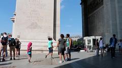 Arc de Triomphe (Téo Correas) Tags: paris parisien arcdetriomphe arc de triomphe cinéma cinématographie