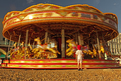 Fermate la giostra voglio salire / Stop the carousel I want to get in (Brighton, East Sussex, United Kingdom) (AndreaPucci) Tags: brighton carousel uk beach eastsussex child longexposure andreapucci canoneos60 childhood