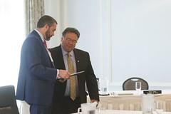 Premiers/premier ministres Silver and/et Taptuna during the meeting/durant la rencontre
