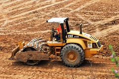 20170726 Caterpillar CP-563E - Vibratory Soil Compactors (lasertrimman) Tags: 20170726 caterpillar cp563e vibratory soil compactors construction starting 43m 600worker division hq tucson arizona