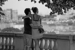 the lovers (JPJ Photo) Tags: sony a7 70200 fe f4 monochrome blacknwhite bland white street framing love amour people life