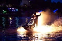 ghost rider en vacances (rondoudou87) Tags: pentax k1 fêtedesponts emmanueljules eau water vienne feu fire jetski 85mm zeiss carlzeiss planar planar8514zk