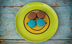 Vintage Macarons (gabormatesz) Tags: canon 50mm macro macaron macarons cookie vintage blue photography food happy smiley summer cake color sweet dish table sugar
