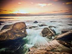 À perte de vue .. (Dare2drm) Tags: mer plage eau couchédesoleil findejournée