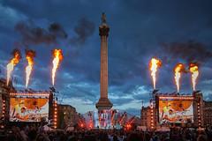 Kaiser Chiefs F1 Live London July 2017 (paulinuk99999 (really busy at present)) Tags: paulinuk99999 f1livelondon trafalgar square concert night london uk england kaiserchiefs pop rock group british tokina 1116mm nelsonscolumn