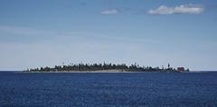 Gåsören, Bottenviken (Mattias Marklund (stofil)) Tags: västerbotten gåsören bottenviken gulfofbotnia sweden sonyimages sonyalpha sonyfe70200 sea blue lighthouse fyr seascape landscape
