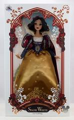 2017 D23 Snow White Limited Edition 17 Inch Doll - Disney Store Purchase - Boxed - Full Front View (drj1828) Tags: d23 2017 expo purchases merchandise limitededition artofsnowwhite snowwhiteandthesevendwarfs snowwhite princess