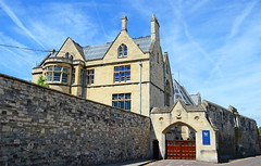Former Bishops Palace. (curly42) Tags: kingsschool gloucester bishopspalace ewanchristian building pittstreet