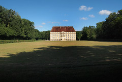 Calme règne — château de Thenissey, Côte-d'Or, Bourgogne, juin 2017 (Stéphane Bily) Tags: thenissey château castle castel france bourgogne burgundy côtedor