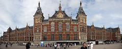 Amsterdam Centraal (PJ Reading) Tags: amsterdam amsterdamcentraal centraal station rail railway train transport transportation grand central passenger pax gold old heritage historic history city holland netherlands europe