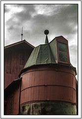 this isn't Kansas (TAC.Photography) Tags: rural red barn silo redsilo farm farming oldstructure tomclarkphotographycom tomclark tacphotography